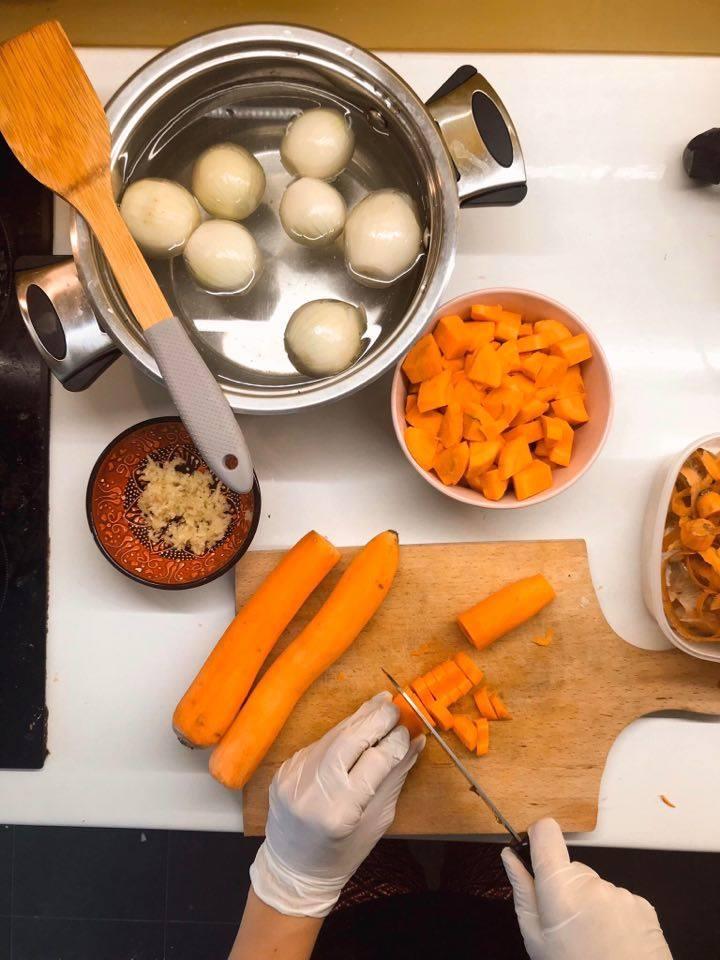 Solidarna kuhinja, pravljenje obroka