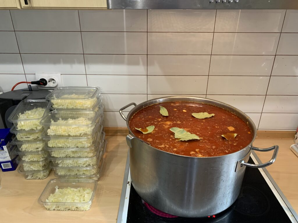 Solidarna kuhinja obrok